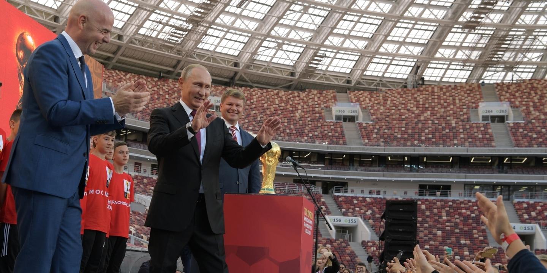 Boris Johnson acredita que Putin vai usar o Mundial'2018 como Hitler usou os Jogos Olímpicos