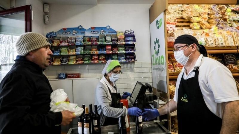 COVID-19: Compra de refeições prontas dispara 50% e online domina