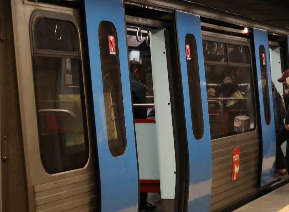Metro de Lisboa vai andar mais rápido se redução dos preços dos passes aumentar procura. Linha verde fica de fora