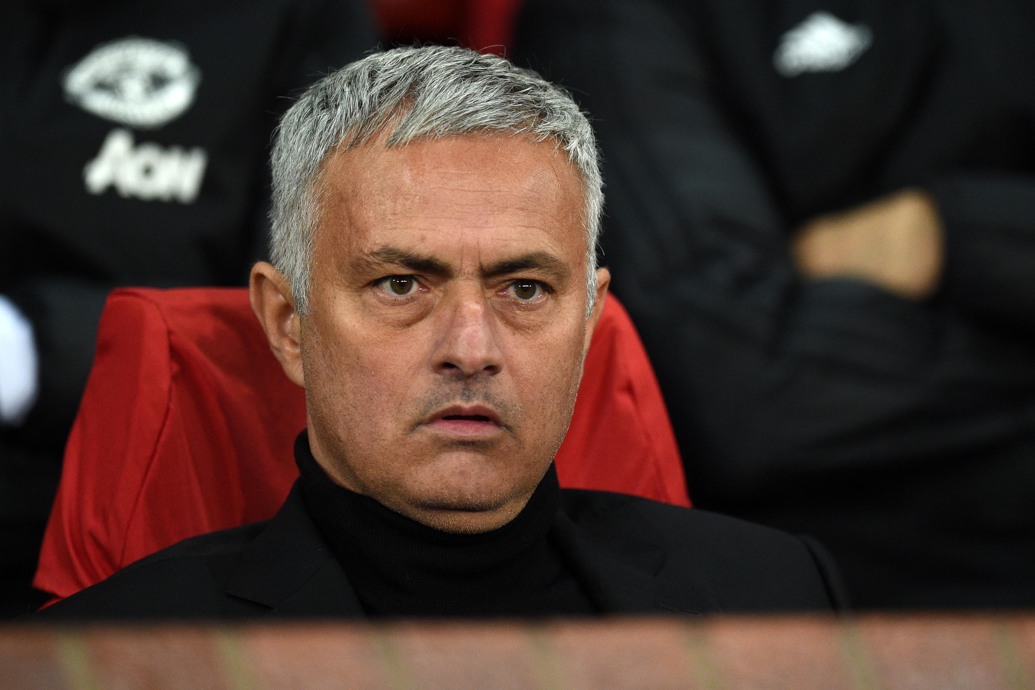 """Alexis Sánchez: """"Mourinho criou uma atmosfera pouco saudável à volta do plantel"""""""