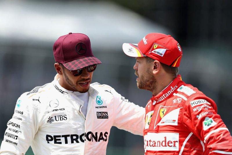"""Hamilton para Vettel: """"Se quer provar que é homem, que o mostre fora do carro"""""""