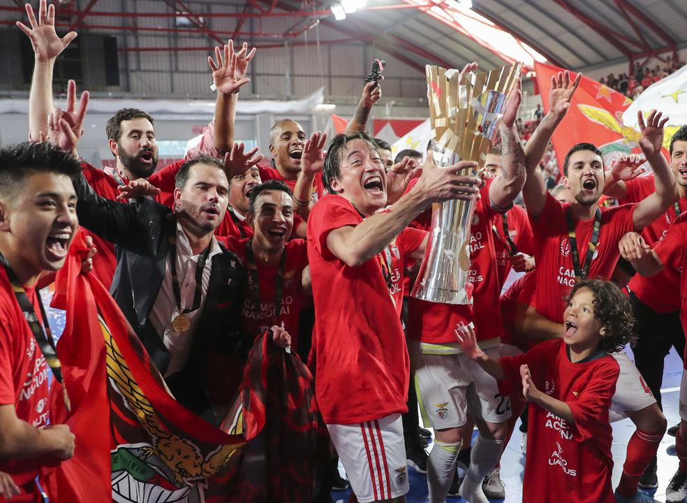 Benfica vence Sporting na 'negra' e sagra-se campeão de futsal
