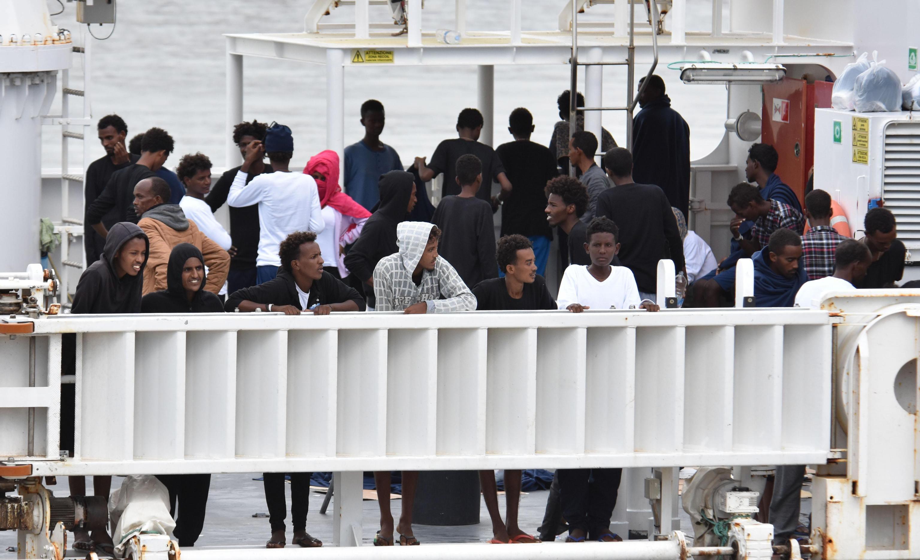 Itália: Salvini ameaça reenviar migrantes para a Líbia