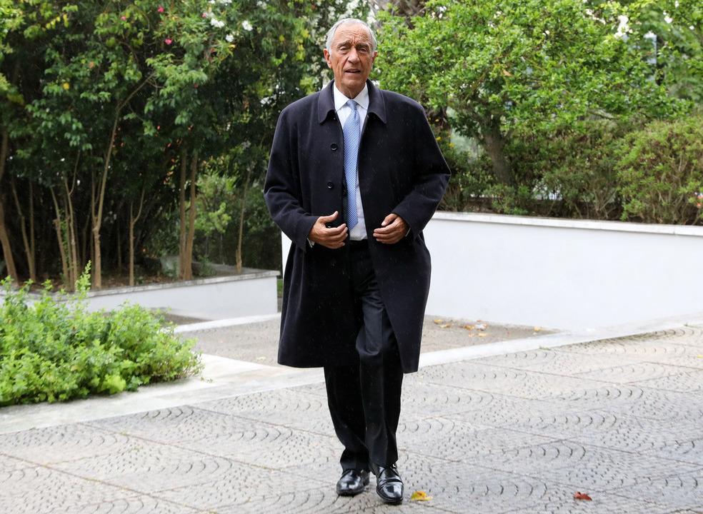"""Marcelo diz que não """"entra em guerra com nenhuma classe profissional, menos ainda com a dos professores"""""""
