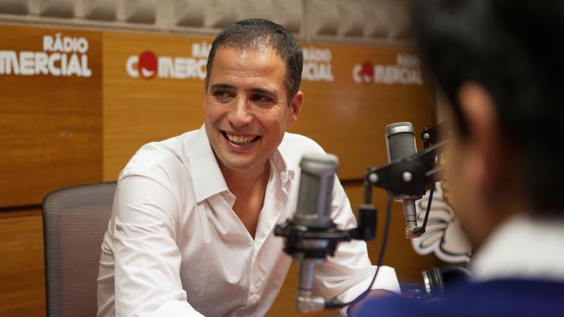 Celso, a personagem de Ricardo Araújo Pereira que sonha conhecer um lobisomem e Cristina Ferreira