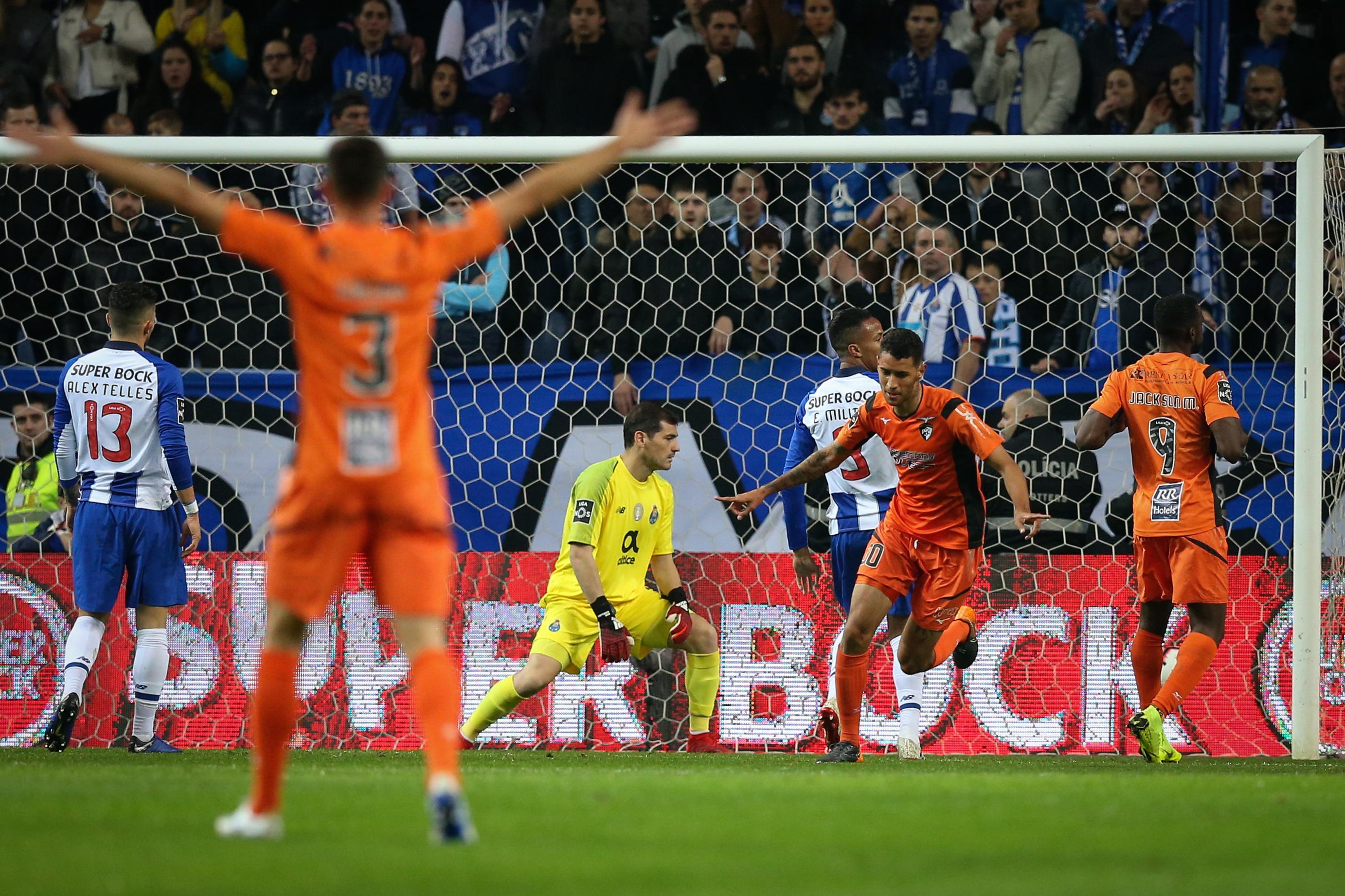 Benfica acusa Sport TV de manipulação num lance do jogo entre FC Porto e Portimonense