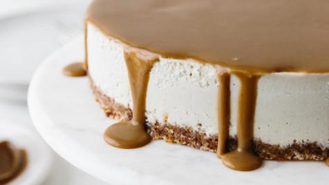 Cheesecake vegan de limão tão fácil, tão fácil que nem precisa de cozinhar