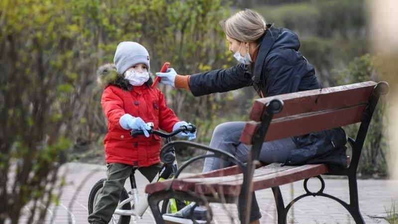 COVID-19: E, afinal, as crianças devem usar máscara?