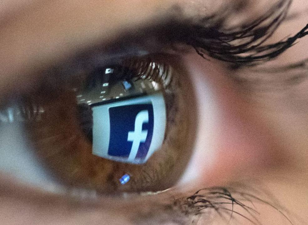Formação de moderadores de conteúdos no Facebook: mamilos não, violência e ódio depende