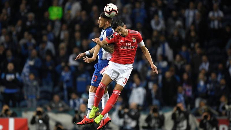 Benfica divulga convocados para o clássico com uma novidade