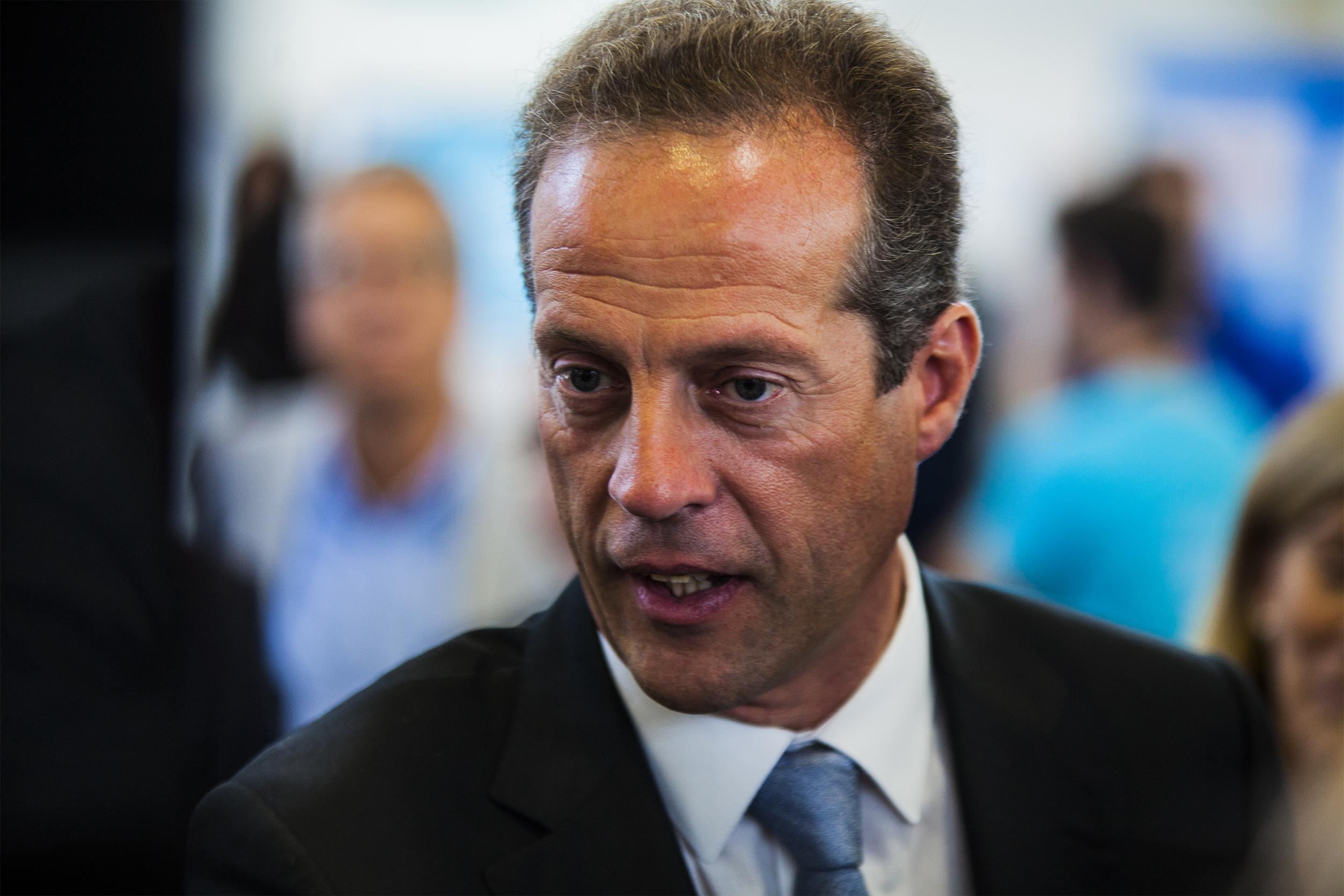 PSD. Partido não pode ser a nova namorada do PS, diz Ribau Esteves