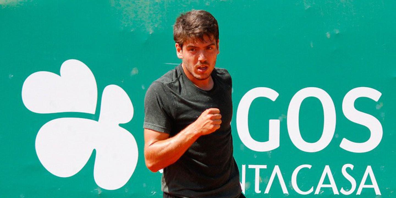 João Domingues vence e avança no torneio de qualificação do Brasil Open