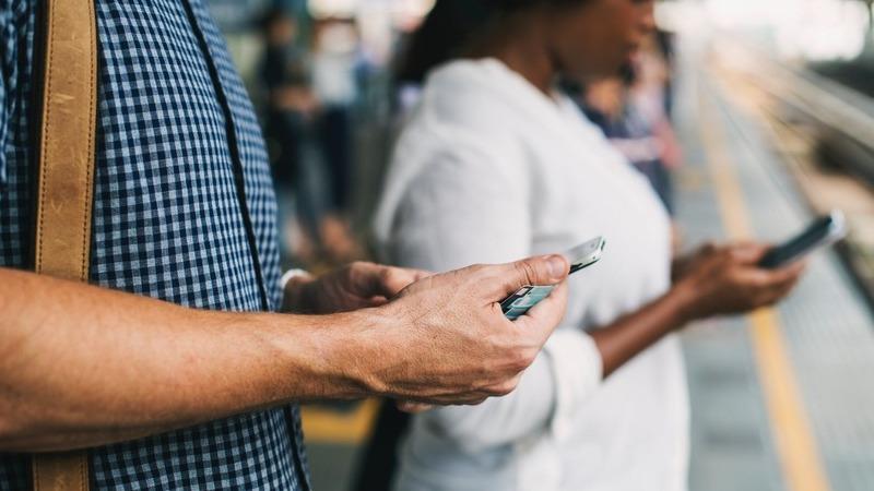 Comissão Europeia quer estratégia comum para apps e recolha de dados que ajudam na luta contra a COVID-19