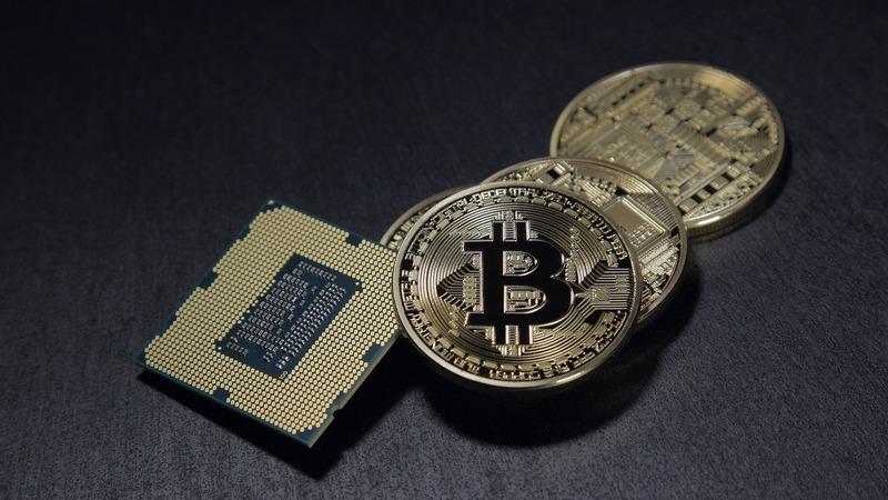 Regulador financeiro britânico alerta para esquemas com criptomoedas