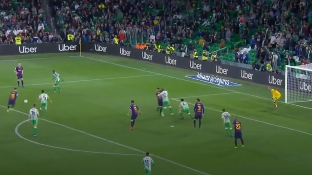 Este golaço de Messi é tão bom que os adeptos rivais aplaudiram de pé