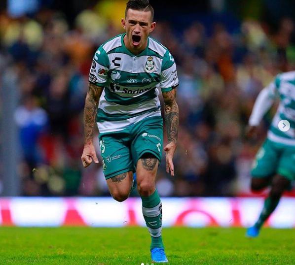 Apontado ao FC Porto, Lozano admite que gostava de jogar... no Sevilha