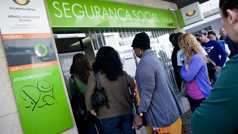 Desemprego: Número de beneficiários cai 15% em setembro