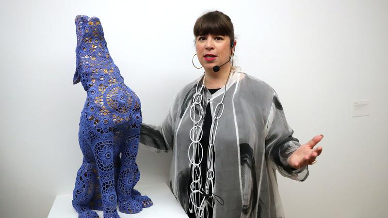 Trabalho de Joana Vasconcelos em exposição no museu Max Ernst na Alemanha