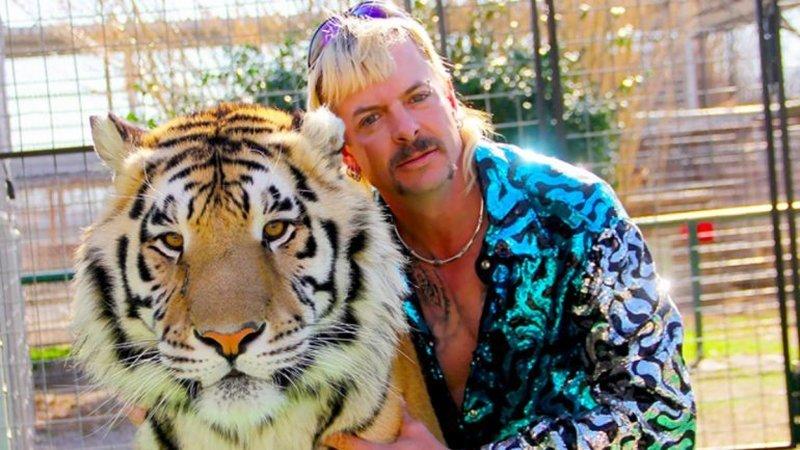 """Tiger King"": protagonista da série perde jardim zoológico, cedido à inimiga jurada"