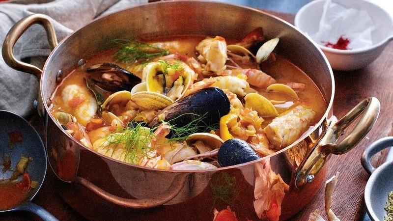 Bouillabaisse de Marselha: o ensopado de peixe à francesa