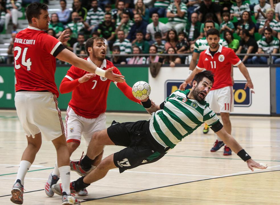 Benfica derrota Sporting e conquista Taça de Portugal de andebol