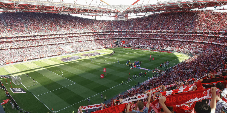 """Benfica reage à vitória do FC Porto: """"Confirma-se: esta é a Liga Blue Velvet"""""""
