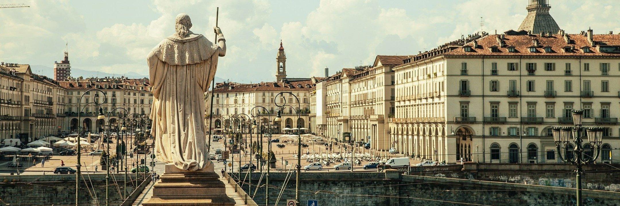 Entre Milão e Turim, há um caminho a percorrer para os amantes de futebol