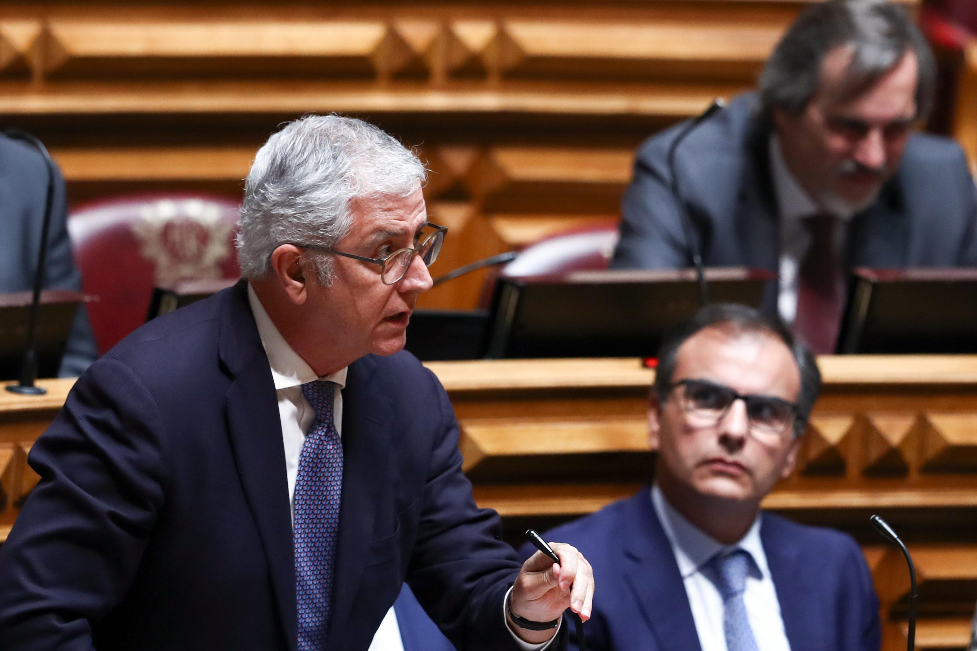 """Fernando Negrão acusa António Costa de """"não ser primeiro-ministro para o povo"""""""