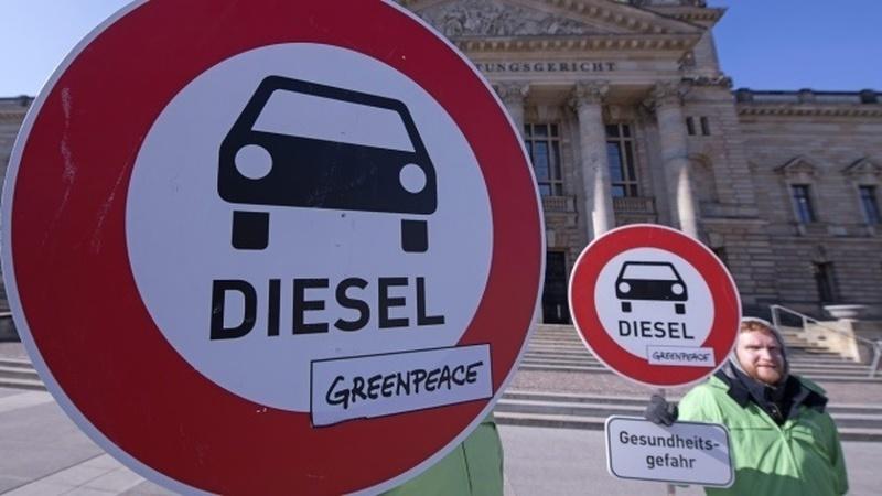 Frankfurt avança com limites à circulação dos diesel