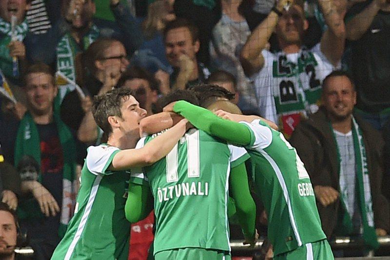 Werder Bremen vence e deixa zona de descida
