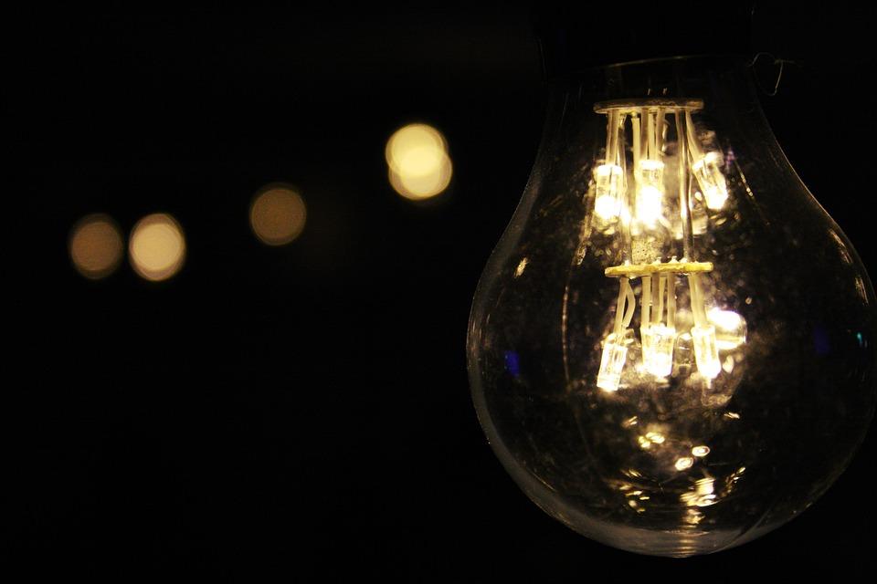"""PCP considera """"tardia"""" descida do IVA da eletricidade e gás natural na potência mais baixa"""