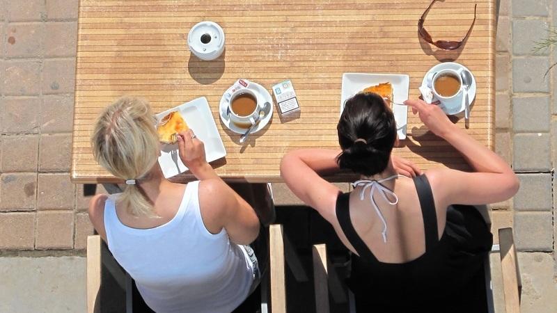 Alimentação no verão: As regras que tem de adotar segundo uma nutricionista