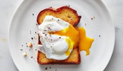 Os 10 passos que nos levam até ao ovo escalfado perfeito