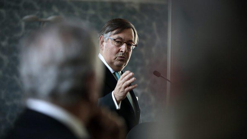"""Riscos para economia estão a diminuir """"pouco a pouco"""", afirma o bastonário dos economistas"""