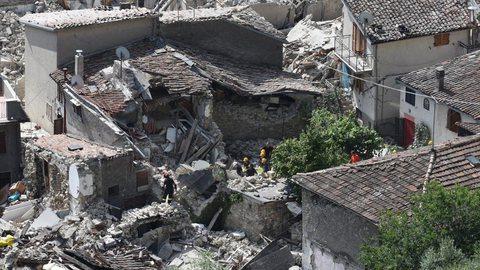 Itália. Sismo de magnitude 6.2 causa destruição e faz vários mortos