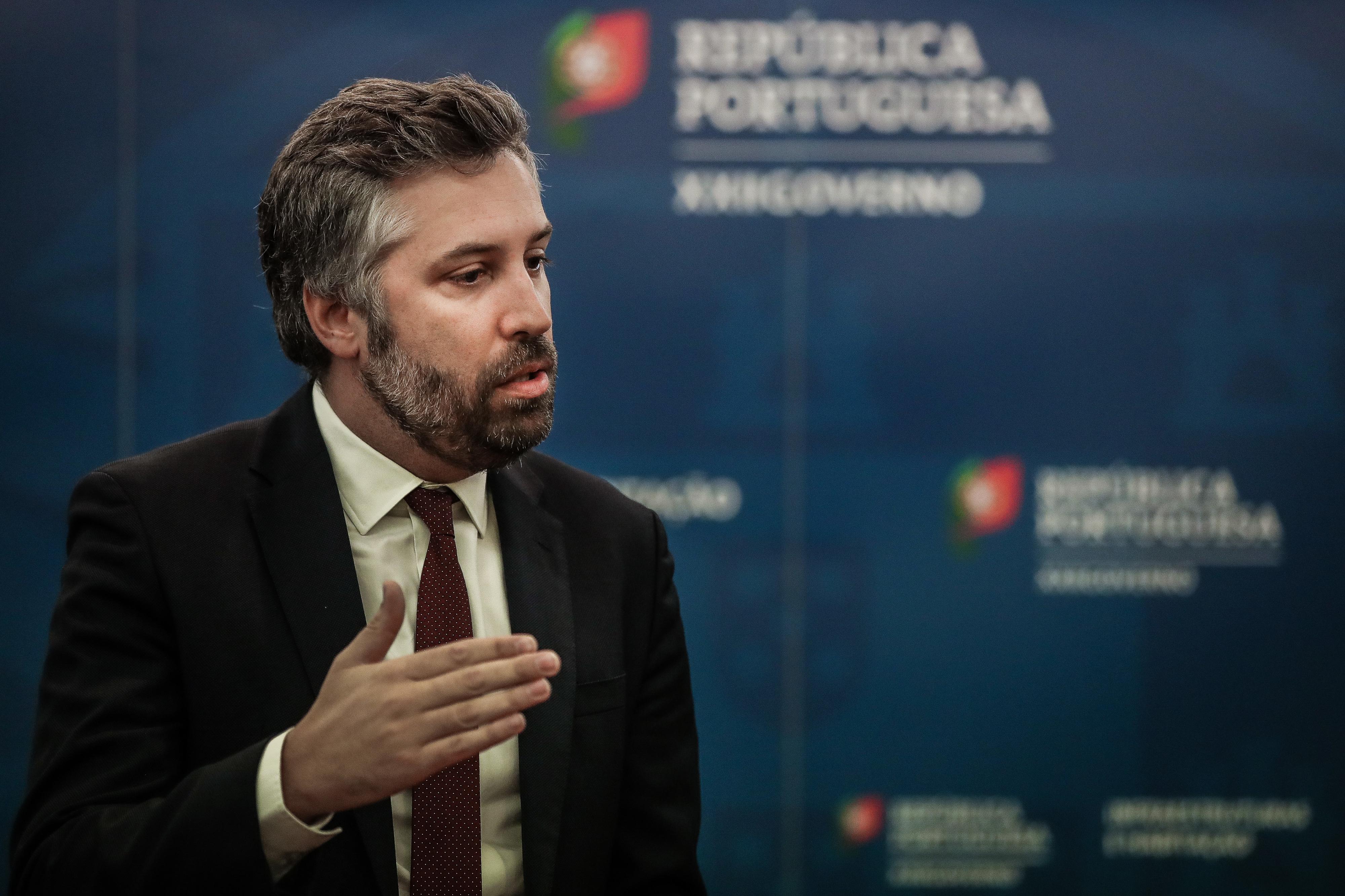 Plano ferroviário 2020. Pedro Nuno Santos admite atrasos, mas afasta cancelamentos de obras