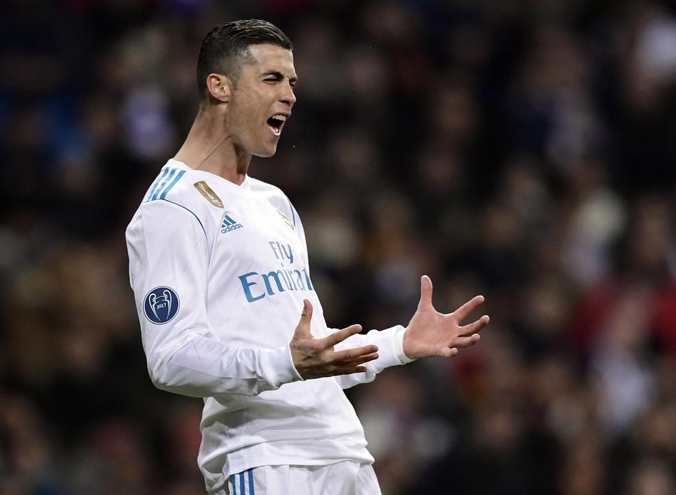 Real Madrid goleia Deportivo da Corunha com dois golos de Ronaldo