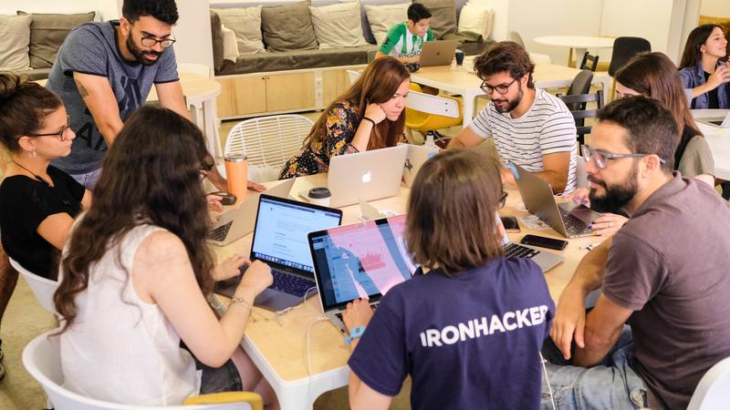 """Ironhack prepara um 2020 """"em cheio"""" com novas formações e há até espaço para quem é fã de The Sims"""