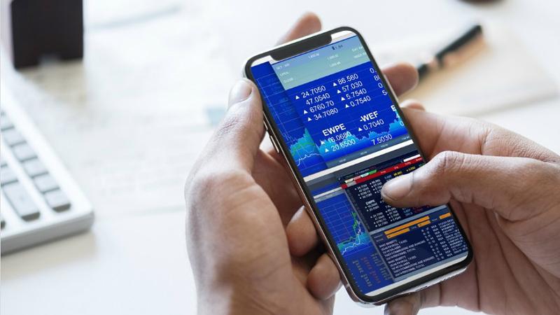 """Europa em queda após 'sell-off' tecnológico em Wall Street. Lisboa não foge à tendência """"vermelha"""""""