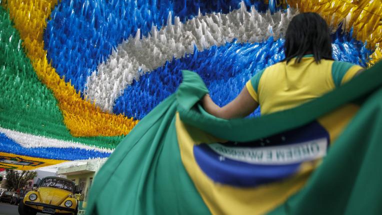 Seis pessoas mais ricas do Brasil têm uma riqueza equivalente a 100 milhões de brasileiros