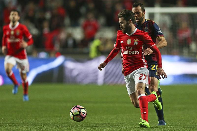 Benfica e Chaves empatam ao intervalo