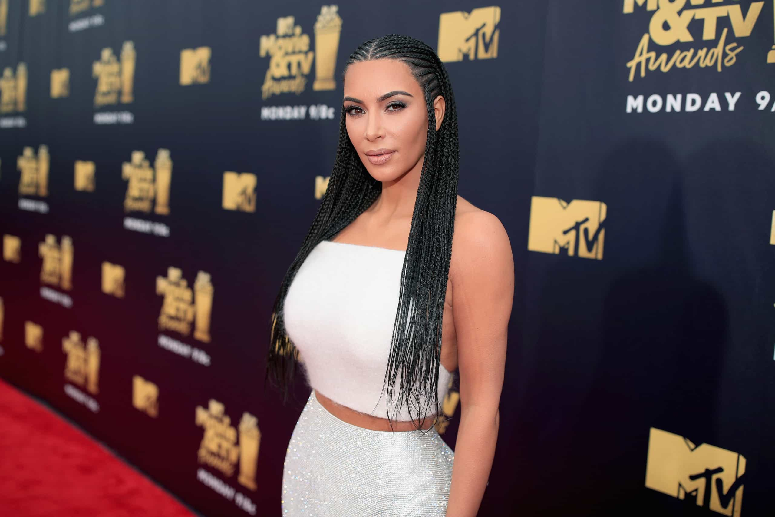 Das mais ousadas às ternurentas: As melhores fotos de Kim Kardashian