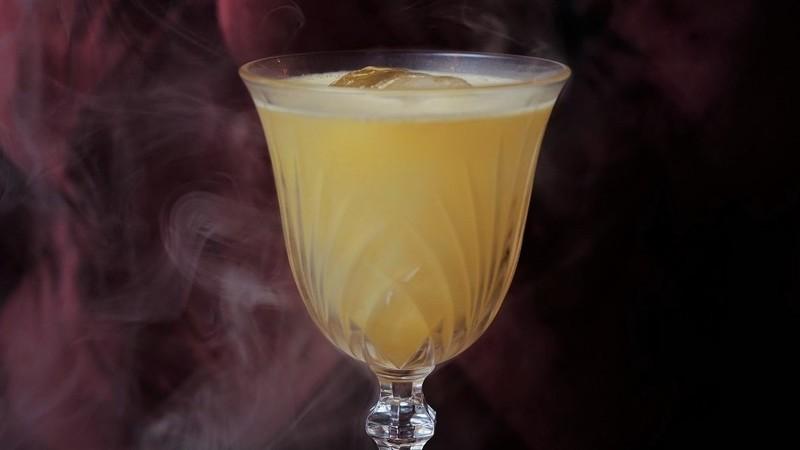 """""""Saudade"""", o cocktail que bar portuense está a entregar em casa em Lisboa"""