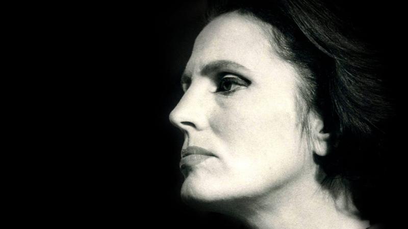 De Salvador Sobral a Carolina Deslandes: artistas contemporâneos recriam repertório de Amália Rodrigues em disco