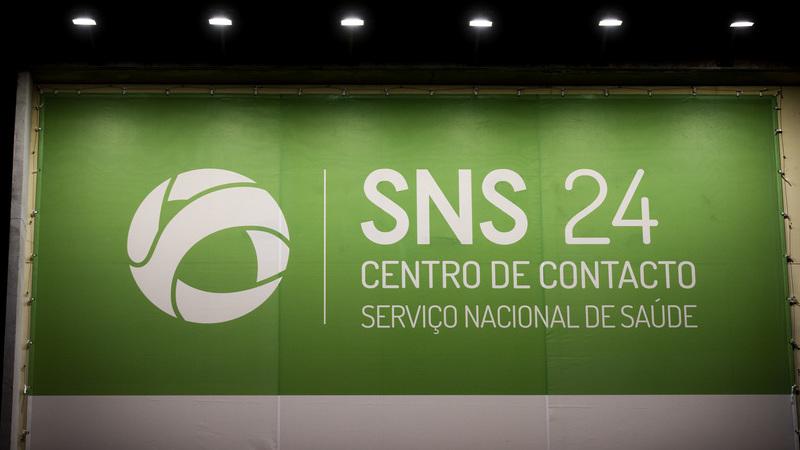 """COVID-19. Linha SNS24 lança serviço para ajudar em situações de """"stress, ansiedade, angústia e medo"""""""