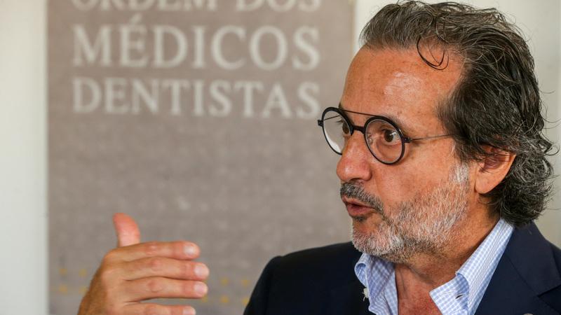 Carreira de médicos dentistas aguarda há mais de um ano pelas Finanças, diz bastonário