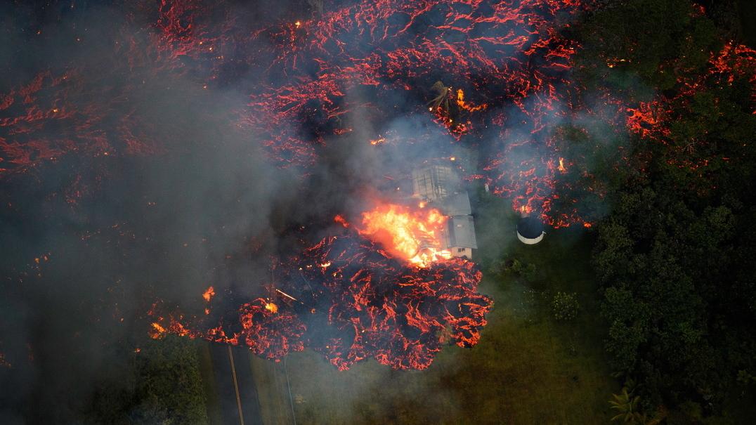 Vulcão Kilauea transformou a costa do Havai num cenário apocalíptico