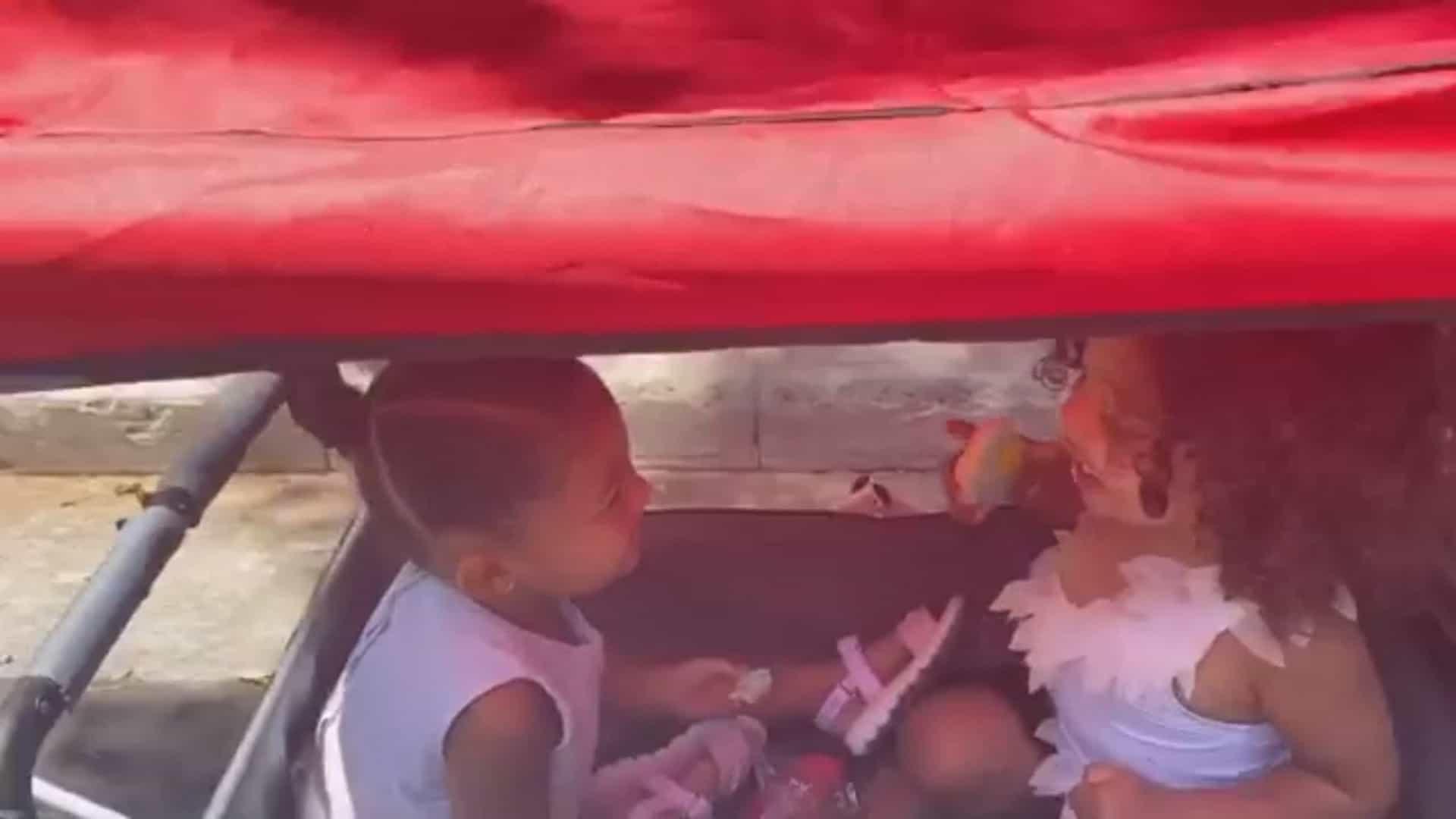Kim Kardashian e Kylie Jenner partilha carinhoso vídeo das filhas