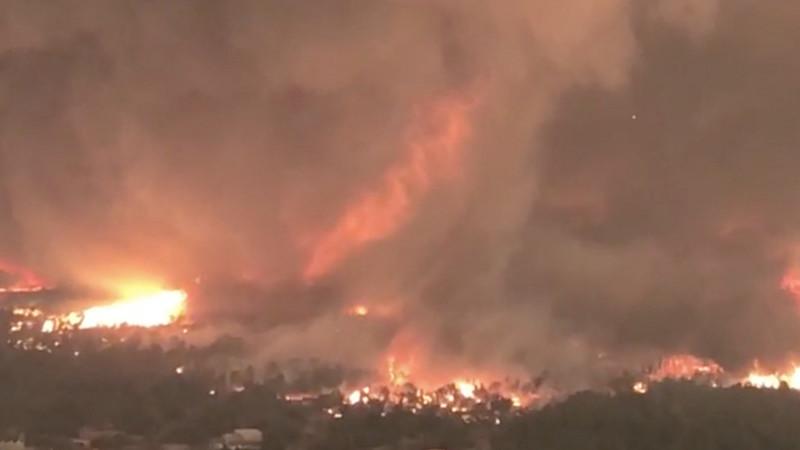 Enorme tornado de fogo parece saído de um filme de ficção mas é bem real