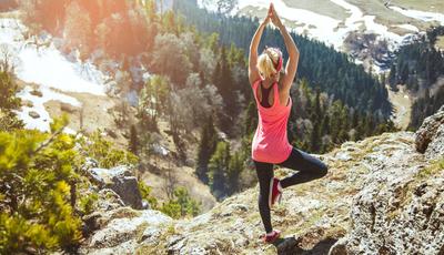 Sempre quis fazer um retiro de yoga nos Alpes? Agora já pode realizar esse sonho